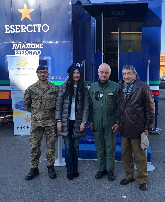 L'aviazione Esercito al centro Commerciale Piazza Marcantoni con il Rolfo